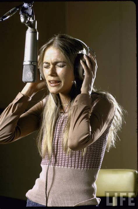 25 Fascinating Color Photographs of a Young Peggy Lipton