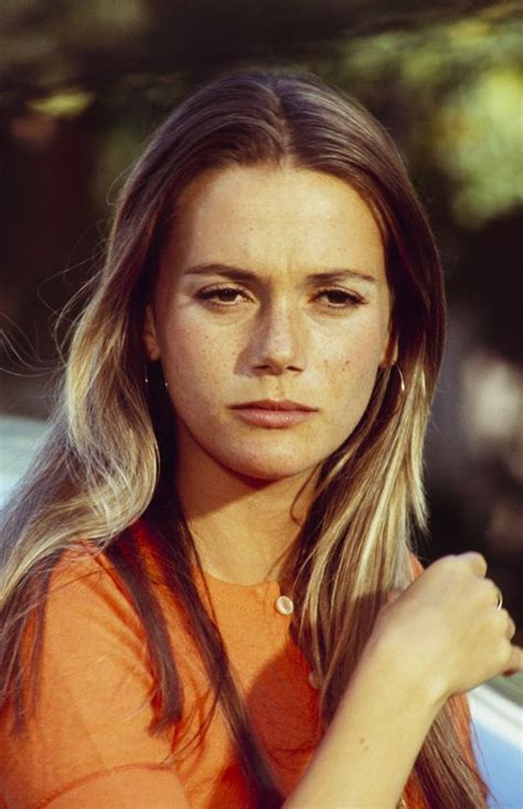 How Tall is Peggy Lipton – How Tall is Man?